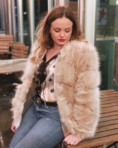 Chloe Carno, european fashion influencer