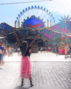 pink skirt german influencer at tomorrowland
